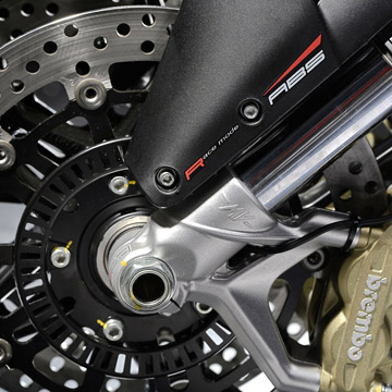 ABS MAKES ITS DEBUT IN THE 3-CYLINDER MV AGUSTA MY14 RANGE