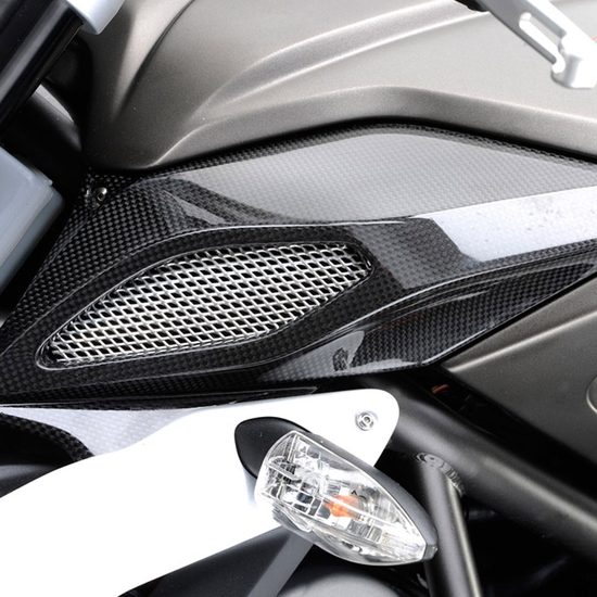 BRUTALE 675 - Air box cover carbon fiber B3 (left)